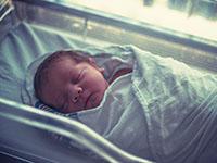 Un nouveau-né à l'hôpital
