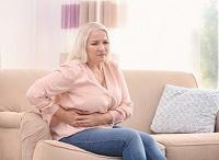 Décès à domicile après cure chirurgicale d'éventration ombilicale