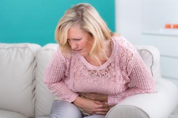 Crises abdominales douloureuses chez une femme